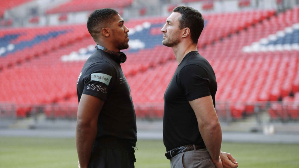 Britain Boxing - Anthony Joshua & Wladimir Klitschko Head-to-Head Press Conference - Wembley Stadium, London, England - 14/12/16 Anthony Joshua and Wladimir Klitschko pose head to head after the press conference Action Images via Reuters / Henry Browne Livepic EDITORIAL USE ONLY.
