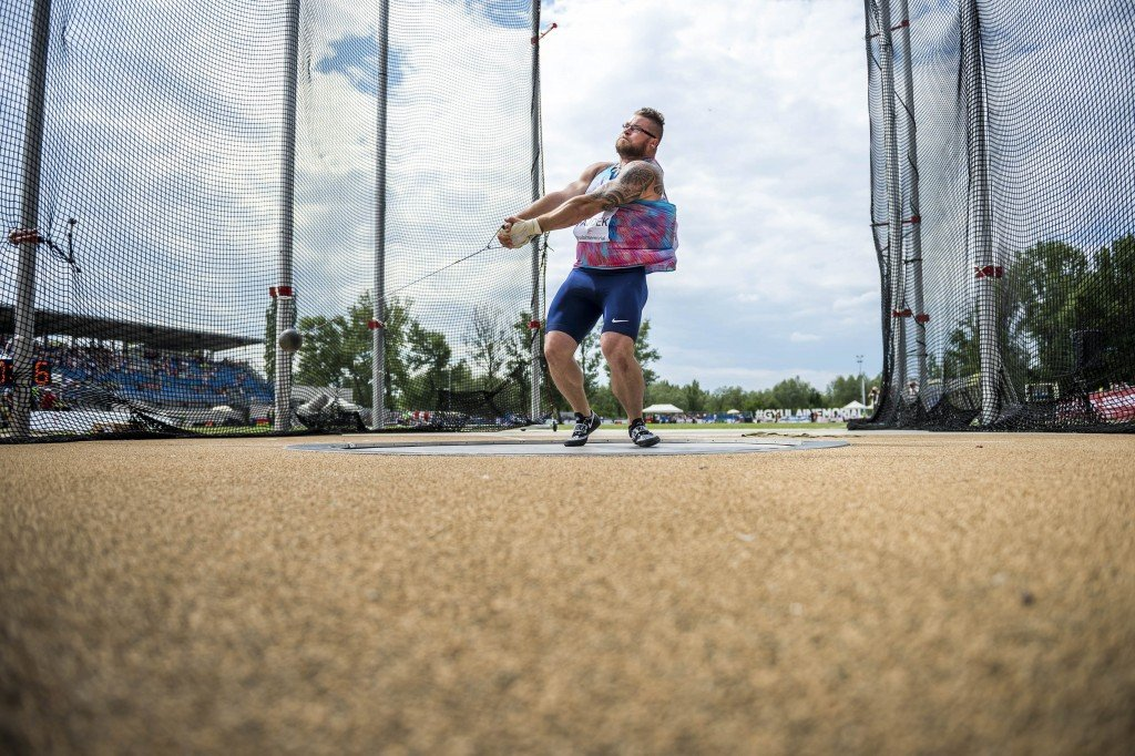 epa06065783 Pawel Fajdek of Poland competes in men's hammerthrowing at the Gyulai Istvan Memorial Track and Field Grand Prix in Szekesfehervar, 63 kms southwest of Hungary, 04 July 2017. EPA/Boglarka Bodnar HUNGARY OUT Dostawca: PAP/EPA.