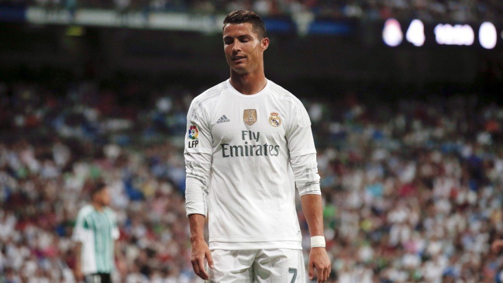 Real Madrid's Cristiano Ronaldo reacts during their Spanish first division soccer match against Real Betis at Santiago Bernabeu stadium in Madrid, Spain, August 29, 2015. REUTERS/Andrea Comas - RTX1Q85U